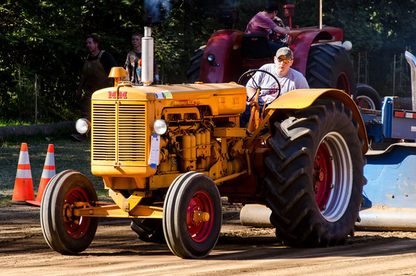Threashing Bee 2012-140