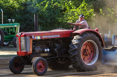 Threashing Bee 2012-113