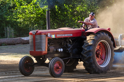 Threashing Bee 2012-112