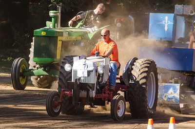 Threashing Bee 2012-128