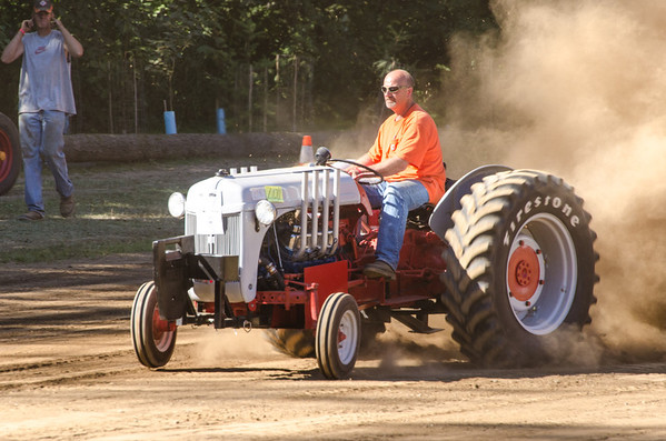 Threashing Bee 2012-130