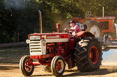 Threashing Bee 2012-122