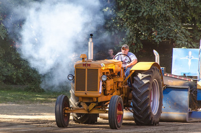 Threashing Bee 2012-136
