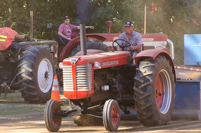 Threashing Bee 2012-110