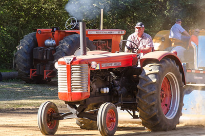 Threashing Bee 2012-111