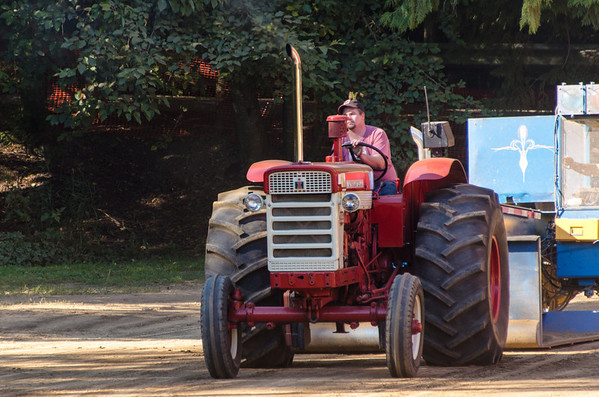 Threashing Bee 2012-144