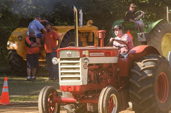 Threashing Bee 2012-119