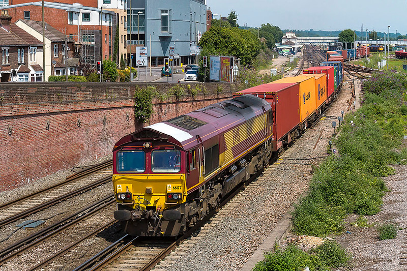 6th Jul 2017: With it's unique white roof absolutely spotless, the other end is filthy, leading on 66177 leaving Eastleigh as it works 4O49  from Birch Coppice to Southampton Western Docks Berth 9
