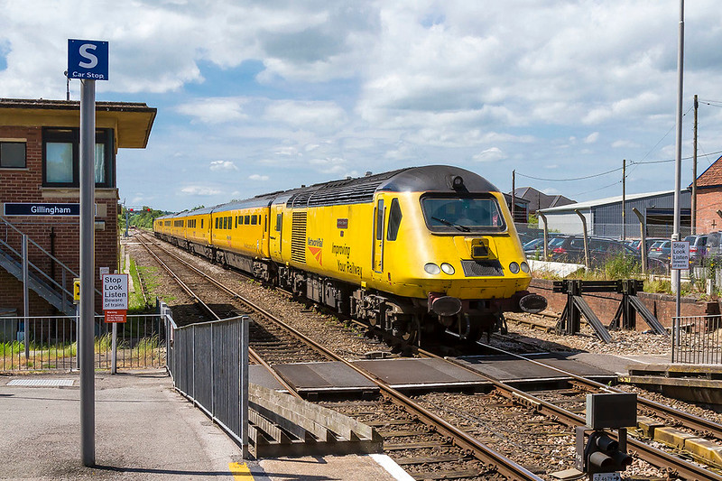 1st Jun 2017:  Arriving at Gillingham is the Network Rail test train with 43013 'The Railway Observer' on the front.  1Q23 started from Old Oak Common and travels to Exeter St Davids via the Mule.  Now on the return journey  it will make a detour to Westbury from Salisbury.