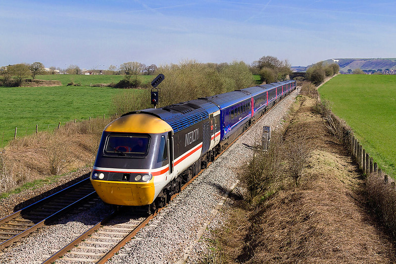 26th Mar 2017:    In InterCiity Swallow livery 43002 lead on 1C80 the 10.05 from Reading to Paignton at Fairwood.  43132 is on the other end
