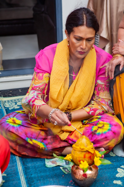 Anushka Haldi_0036