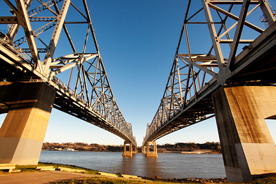 Mississippi River Bridge between Vidalia, La and Natchez, MS