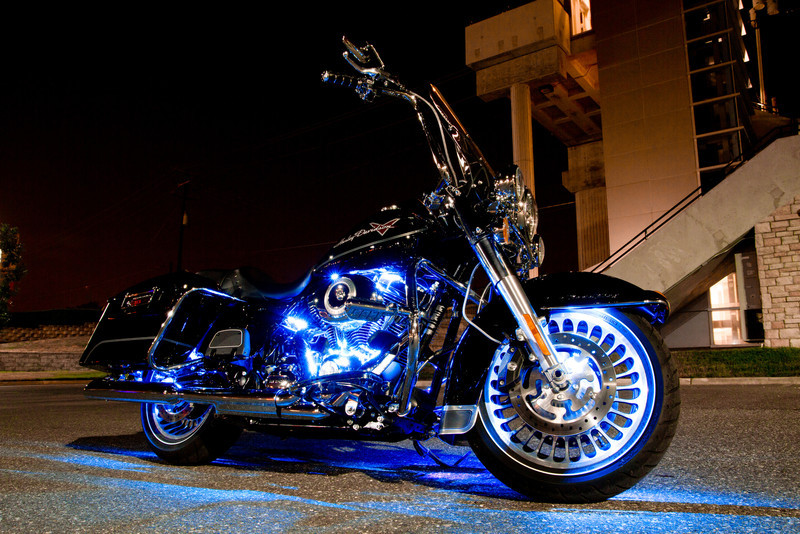 IMAGE: http://www.davehoffmanphotography.com/Anything-Related-to-Vehicles/Road-King-and-Super-Glide/i-QZ9VzRg/0/L/IMG0918-L.jpg
