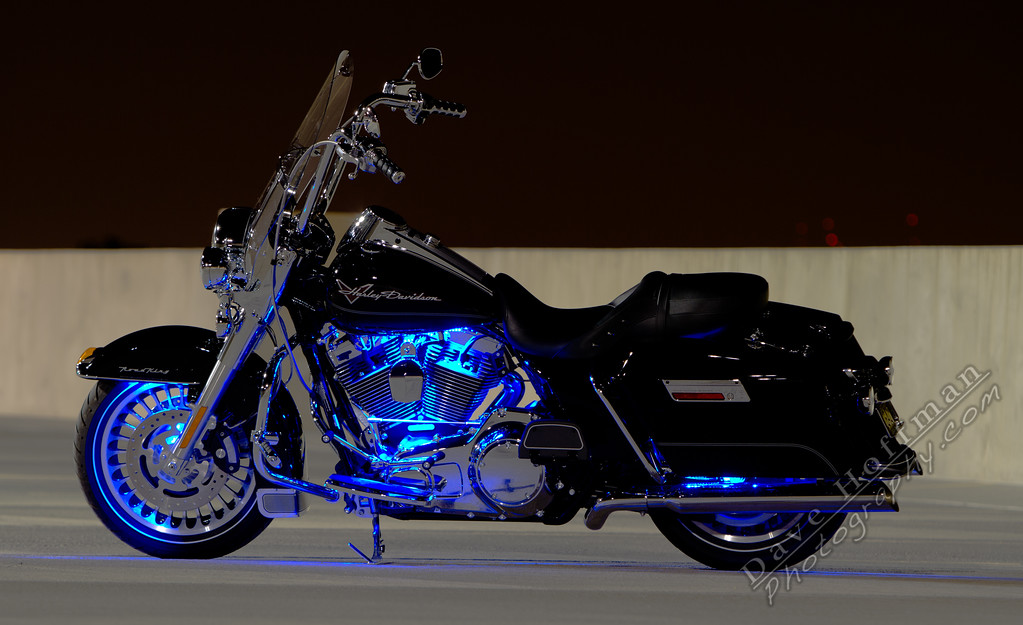 IMAGE: http://www.davehoffmanphotography.com/Anything-Related-to-Vehicles/Road-King-and-Super-Glide/i-bC4JfLn/0/XL/IMG_0757-XL.jpg