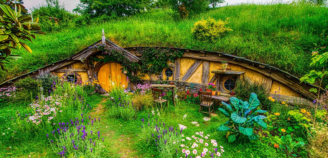 The flowers, the detail, the scale are just magic Hobbiton Movie Set Matamata New Zealand