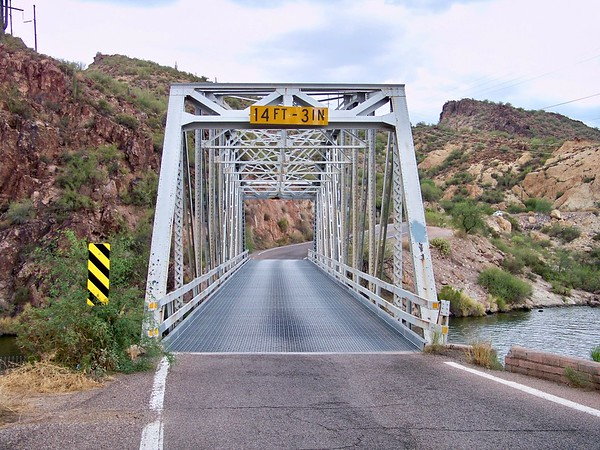 Single-lane steel truss bridge at Canyon Lake (2009)