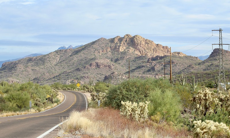 Leaving Apache Junction toward Canyon Lake (2017)