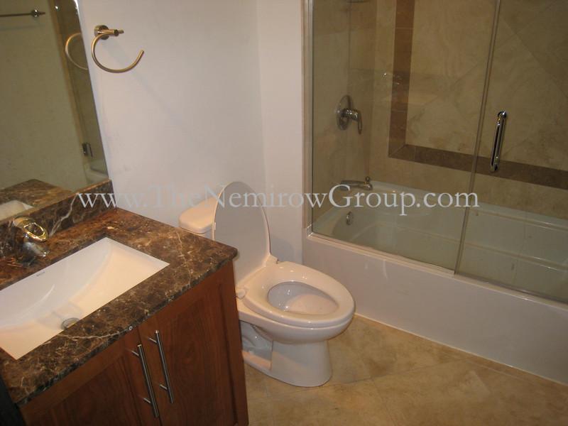 3 bed 2 bath Bucktown apartment - 2150 W North #6 photos