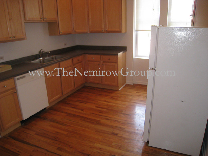 3 bedroom apartment in Lincoln Park - 2151 N Racine #3 photos