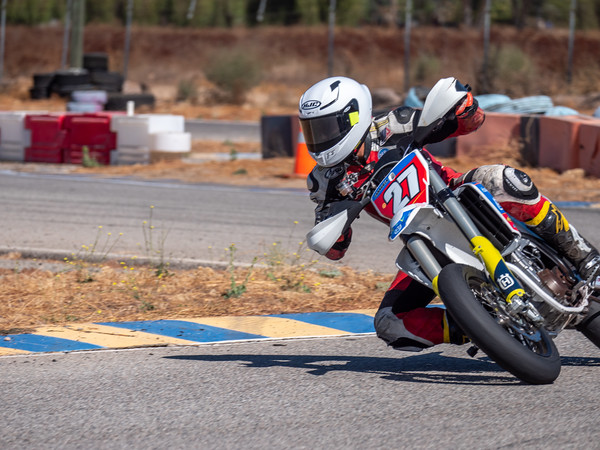 2020October16_ApexOpenPracticeBikes-1766934