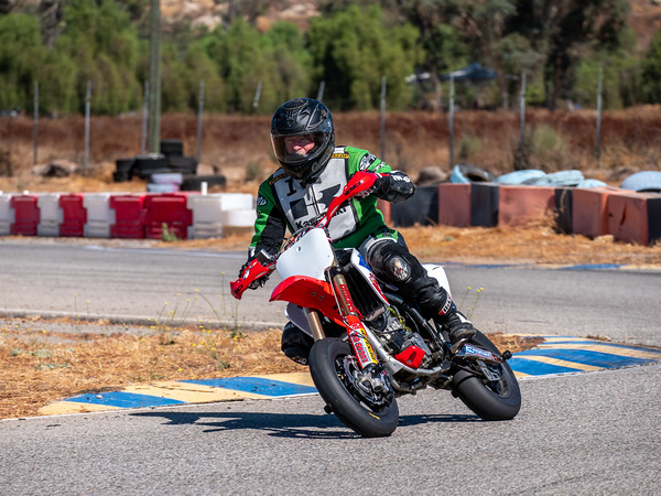 2020October16_ApexOpenPracticeBikes-1766944