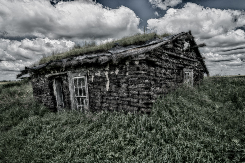 Sod house on the prairie in HDR
