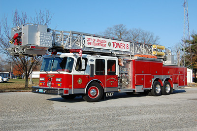 Absecon Tower 8 1988 E-One 95' 1500-350 Photo by Chris Tompkins