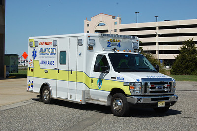 AC International Airport Medic 24 2009 E450-Horton. Photo by Chris Tompkins
