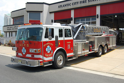 Atlantic City     Truck 1 1997 Suphen 95' tower Photo by Chris Tompkins
