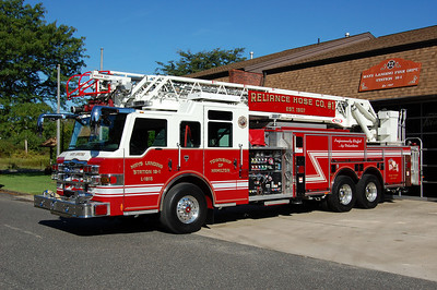 Mays Landing Ladder 18-15 2007 Pierce Velocity 105' 2000-500 Photo by Chris Tompkins