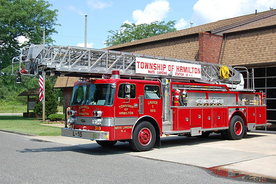 Mays Landing Ladder 18-15 1985 Pemfab-E-One 110'. Photo by Chris Tompkins