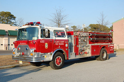 Atlantic County Training Center Engine 622 1986 Mack-Pierce 1500-500 Photo by Chris Tompkins