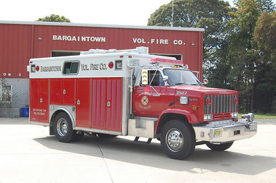 Bargaintown Fire Co. in Egg Harbor Twp. Rescue 1527, a 1994 GMC Top-Kick / Ranger.  Photo by Chris Tompkins