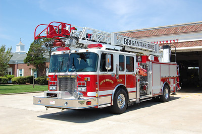 Brigantine Truck 1 2000 Spartan Gladiator ALF- 75' LTI stick 500gal 1750gpm Photo by Chris Tompkins