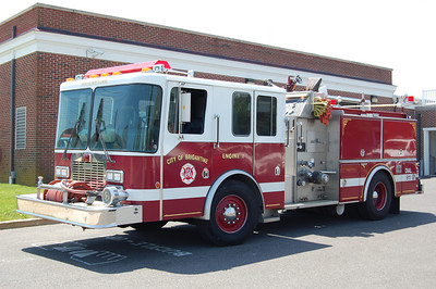 Brigantine Engine 1 1991 Grumman 750 tank 1250 gpm Photo by Chris Tompkins