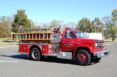 Egg Harbor City Engine 10-6, a 1983 GMC / E-One 1000 / 500.  Photo by Chris Tompkins