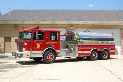 Elwood Tanker 16-5 1992 Spartan - 4Guys 1500-3000 Photo by Chris Tompkins