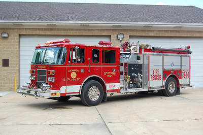 Elwood Engine 16-3 1998 Pierce Saber 1250-1000 Photo by Chris Tompkins