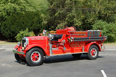 Germania Fire Co. of Galloway Twp. antique, a 1931 Buffalo 500 / 500.  Photo by Chris Tompkins (2008)
