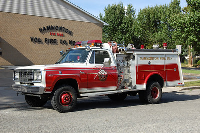 Hammonton Engine 9-6 1977 Dodge custom - Hamerly 400-250 Photo by Chris Tompkins