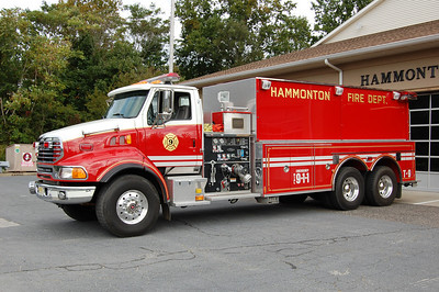 Hammonton Tanker 9 2001 Sterling-Pierce 2000-3500 Photo by Chris Tompkins