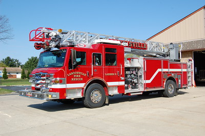 Landisville Ladder 11 2009 Pierce imperial 75' 1500-500 Photo by Chris Tompkins