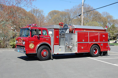 Linwood Engine 52          1986 Ford 8000 Grumman Body 750 tank 1250gpm Photo by Chris Tompkins
