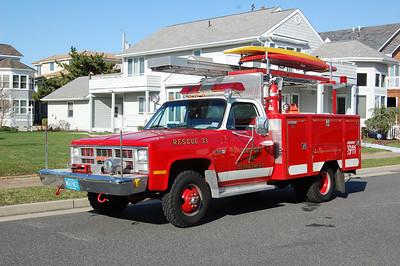 Longport Rescue 33 1984 Gmc-Gurmman Photo by Chris Tompkins