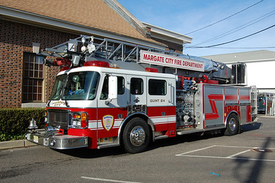 Margate Quint 24 1999 ALF 75' 1500gpm 400tank Photo by Chris Tompkins