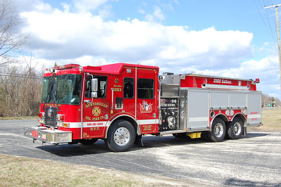 Newtonville Tanker 1263 2010 HME-Ahrens Fox 1500-2500-200A Photo by Chris Tompkins
