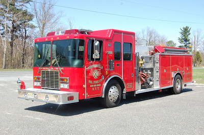 Newtonville Engine 12-66 2001 HME Spartan-Central 1500-1000 Photo by Chris Tompkins