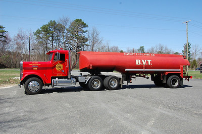 Newtonville Tanker 12-63 1991 Freightliner -1962 Gary 250-5000 Photo by Chris Tompkins