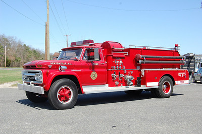 Newtonville Engine 12-62 1962 GMC 5000-John Beam FMC 750-750 Photo by Chris Tompkins