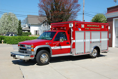 Northfield Rescue 62 1995 Chevy 3500 EVI box Photo by Chris Tompkins